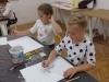 4.-uczniowie-maluj¦ů-farbami