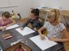 1.-uczennice-w-pracowni-BWA-rysuj¦ů-prace-na-konkurs.