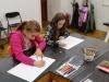 2-uczennice-w-trakcie-rysowania.