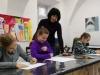 4.-nauczyciel-rozmawia-z-uczennic¦ů.