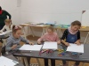 5.-dziewczynki-rysuja-prace-wg-swojego-pomyséu.