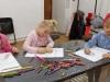 9.-uczennice-koloruja-sowje-prace.