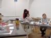 1.-uczniowie-z-grupy-popoéudniowej-na-zaj¦Öciach-w-pracowni-bWA-rysuja-portert-kobiety.