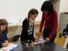 8.-uczennica-dokonuje-poprawek-pod-okiem-nauczyciela.
