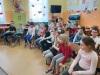 13.-Dzieci-z-ciekawoŤci¦ů-séuchaj¦ů-r-nych-recytacji-wierszy-Tuwima