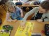 10.-Dziewczynki-grają-w-grę-planszową