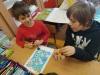 5.-Chłopcy-grają-w-grę-planszową
