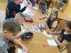 Uczniowie-wykonują-pracę-plastyczną-o-Malcie-2