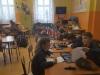 1.uczniowie-w-trakcie-rysowania-laurek