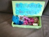 21.-Pudełko-pełne-przedmiotów-z-lektury-Dynastia-Miziołków