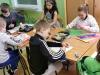 14.-uczniowie-kolejnej-grupy-rusuja-majową-łąkę
