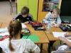 15.-uczennice-w-czasie-rysowania-łaki
